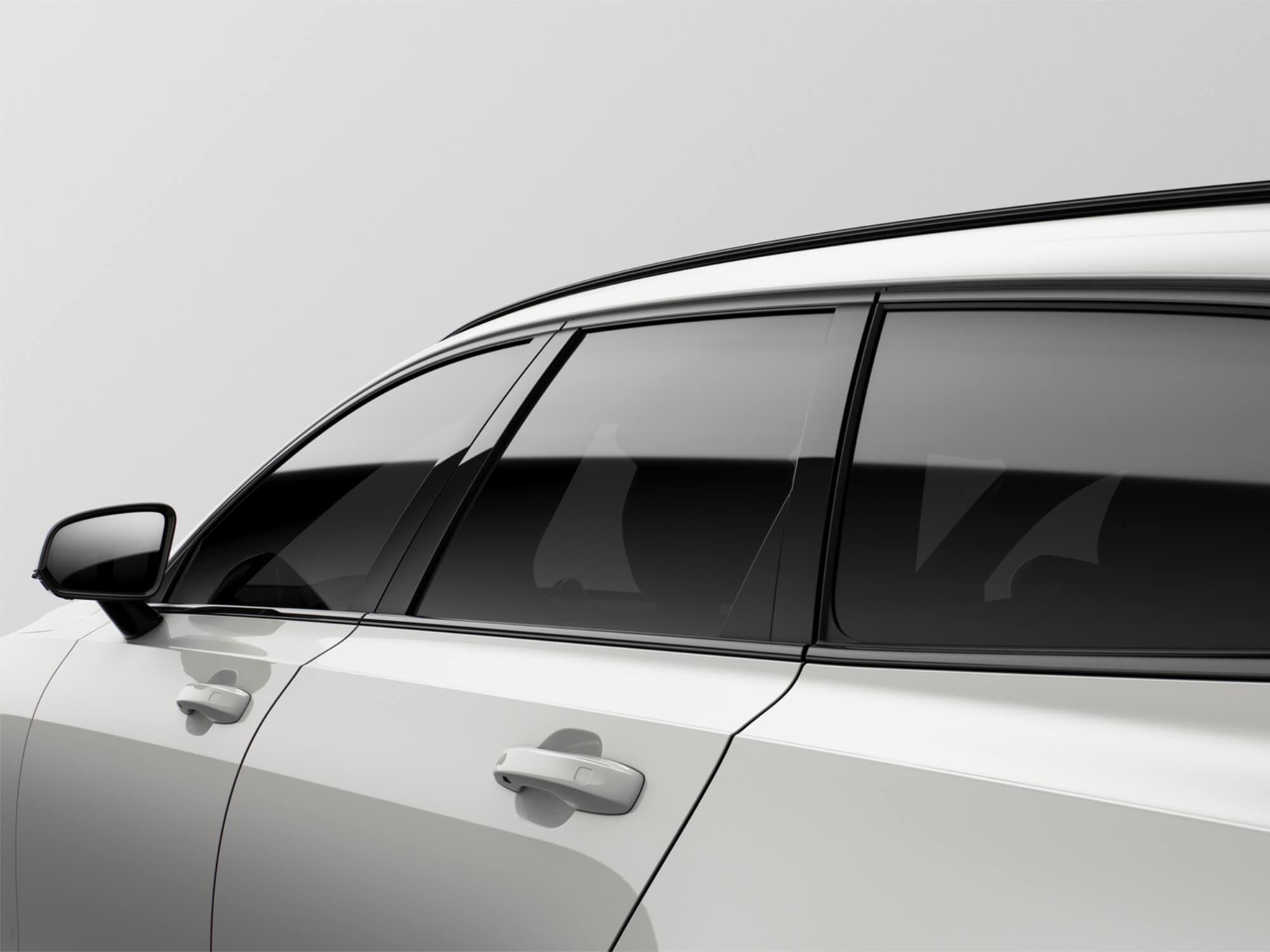 Volvo V90 Mild Hybrid zijkant detail