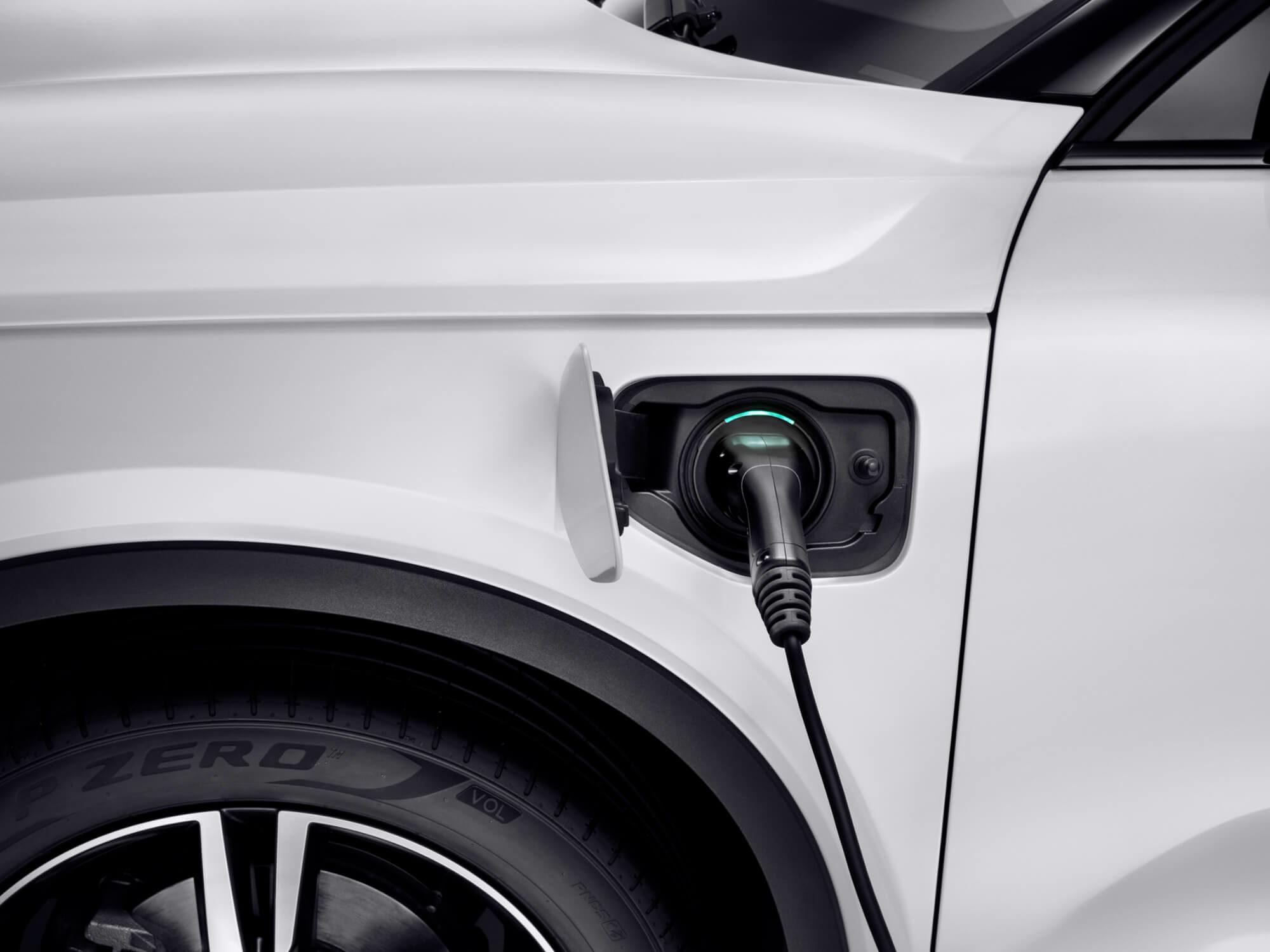 Volvo XC40 Plug-in Hybride aan het opladen