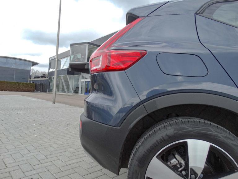 Volvo XC40 T2 Business Pro achterlicht detail
